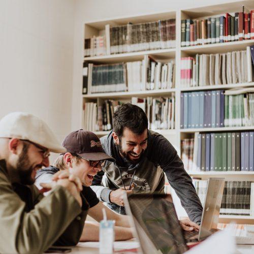Consultor de Innovación, Negocio y Cultura Empresarial   Coach de Orientación Laboral en Madrid   Diseño de Servicios   Diseño Estratégico